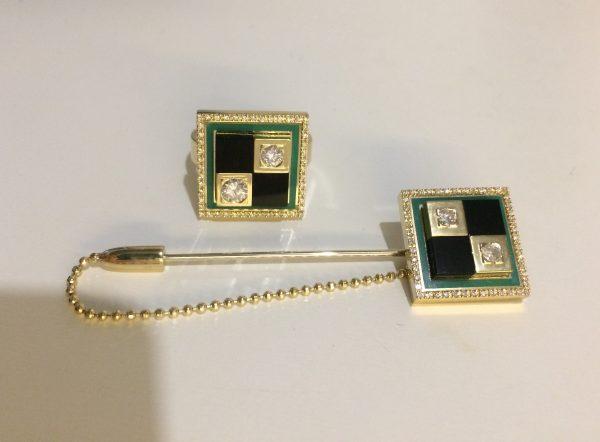 Ювелирный гарнитур с бриллиантами